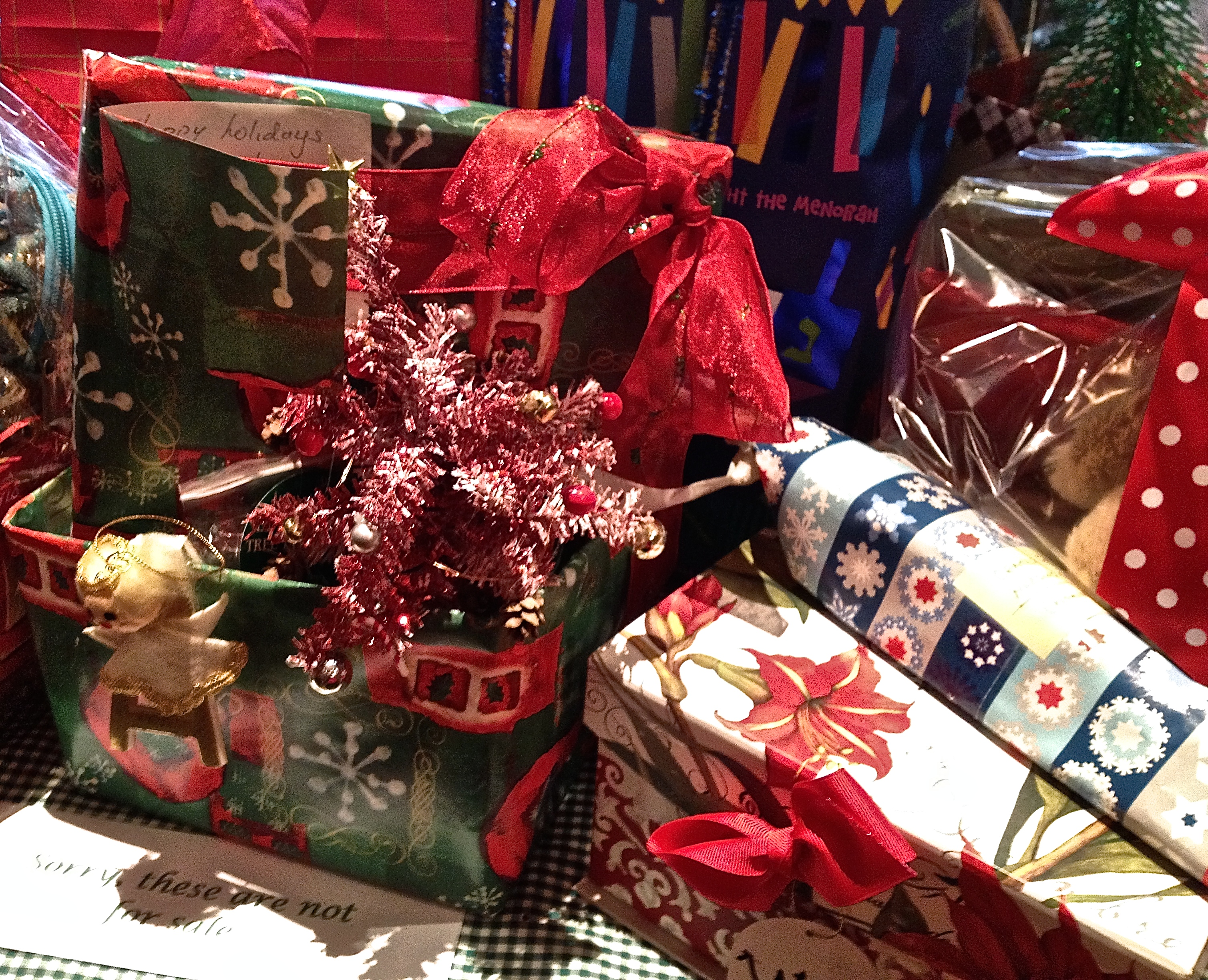 Christmas gift wrappings | Help! Aging Parents